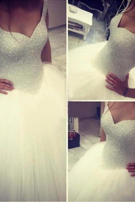 Sweetheart Neckline Ball Gown Wedding Dress with Basque Waistline