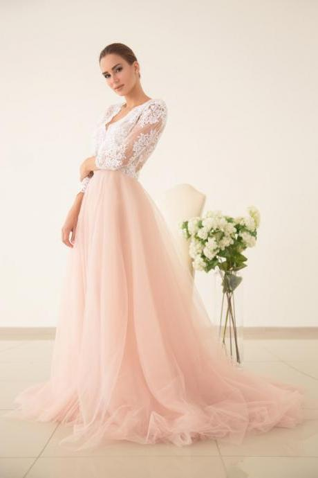 Scalloped V Neck Blush Tulle Wedding Dress with Half Sleeves
