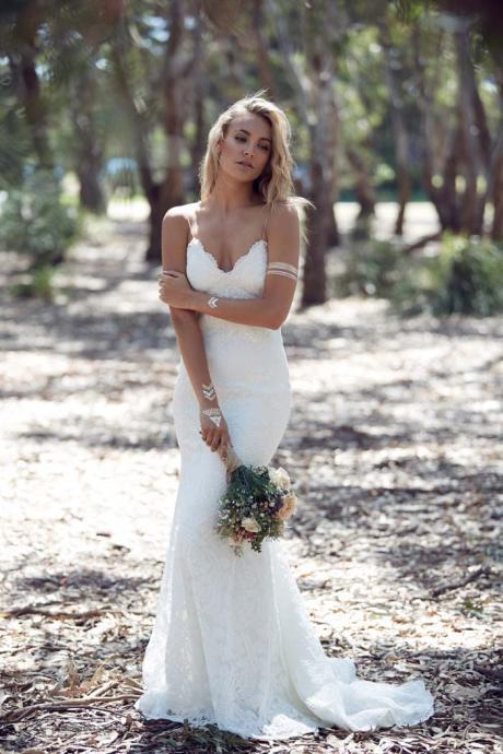 Backless Wild Boho Lace Wedding Dress with Spaghetti Straps
