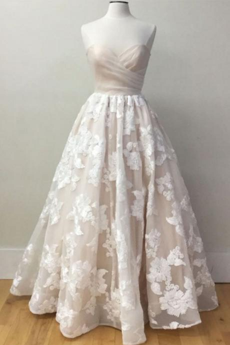 Strapless Sweetheart Floral Lace Appliqués A-line Floor-Length Wedding Dress