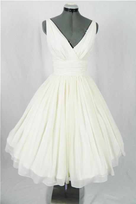 V Neck Vintage Summer Short Wedding Dress with V Back