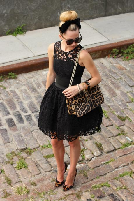 Knee Length Black Lace Homecoming Dress