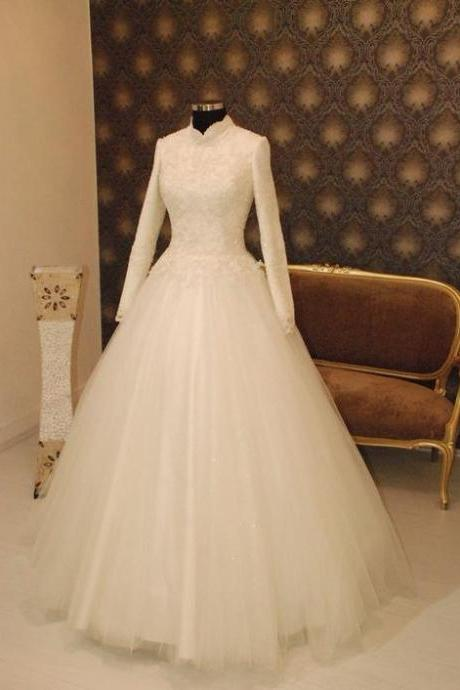 Modest Muslin Ivory Wedding Dress with Long Sleeves