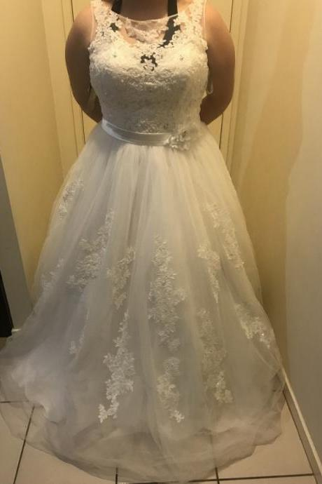 Sleeveless Plus Size Wedding Dress with Big Bust