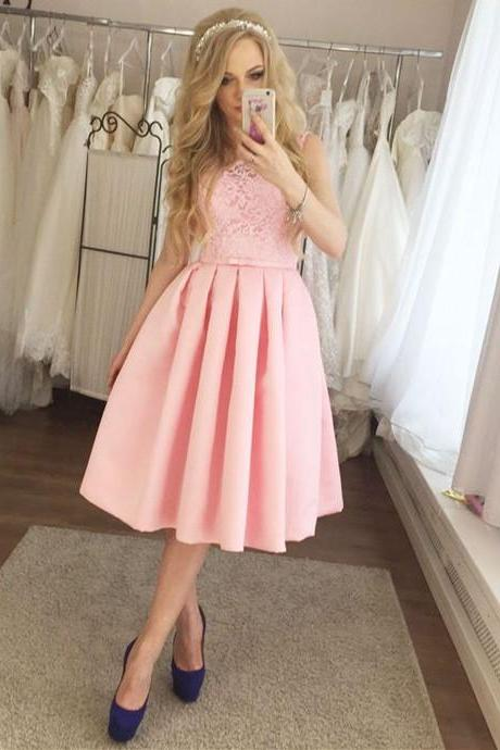 Sleeveless Knee Length Homecoming Dress