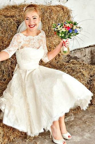 Vintag Fifties Short Wedding Dress with Half Sleeves