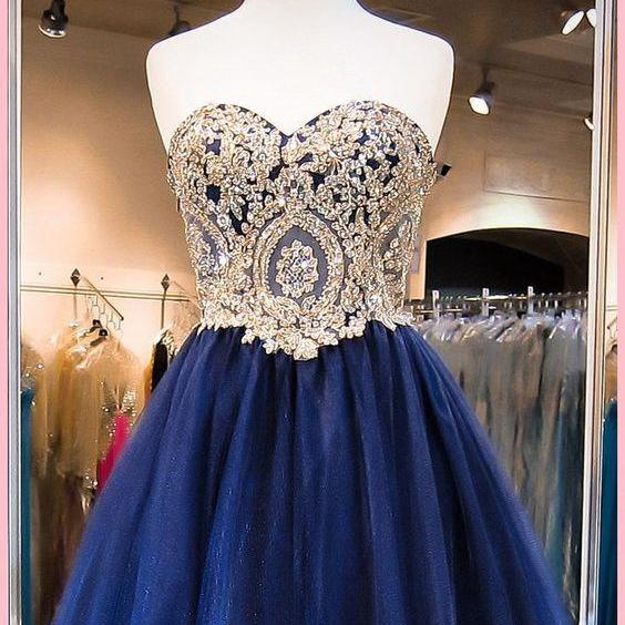 Sweetheart Knee Length Homecoming Dress with Appliques