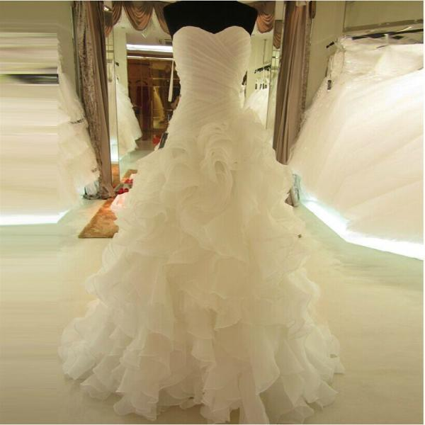 Sweetheart Wedding Dress with Rich Ruffles Chapel Train Bridal Gown Lace-up Bridal Dress Vestido de noiva